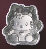 <u> Hello kitty cake tin